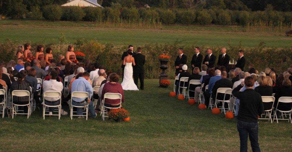 reids-orchard-wedding-outdoors-fall